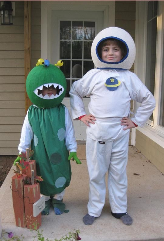 Homemade Alien And Astronaut Costumes