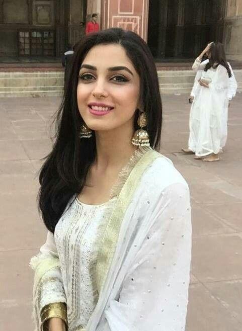 Maya ali at a friend's wedding More