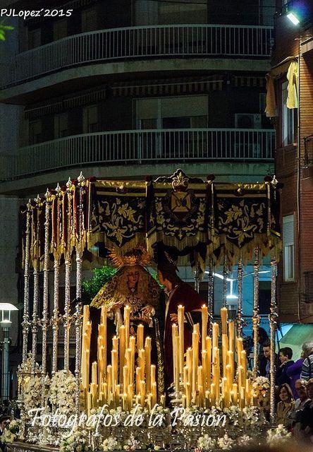 Ntra. Sra. de la Amargura y San Juan Evangelista por Carrera Oficial, momentazo de esta Semana Santa de Linares 2015