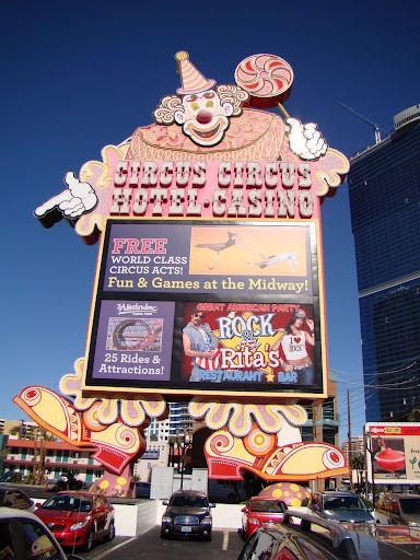 Stayed here on my very first trip to Vegas. I was about 10 and this hotel was FULL of amusement!