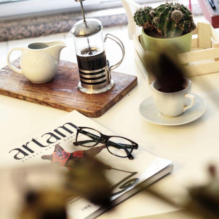 Kahve  hallerimiz  her  daim... #kahve #coffee  #coffeetime  #kahvevefotoğraf  #kahvekeyfi  #izmirde  #photography #igerizmir  #izmirim
