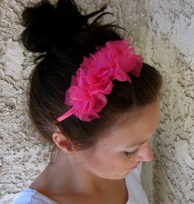 Easy Ruffle Knotted Headband- no gluing or sewing required! Can be put together in about 10 minutes. Perfect craft for a summer activity (or Activity Days or Young Womens activities!)