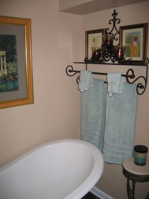 Clawfoot magic remodeled 70s small bathroom to a spa like Accessorizing a small bathroom