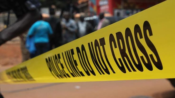 """Polisi Uganda gerebek sebuah Masjid tangkap 18 orang  KAMPALA (Arrahmah.com) - Polisi Uganda telah mengonfirmasi penangkapan 18 orang yang ditemukan di Masjid Nakasero selama penggerebekan pagi hari di pusat kota Kampala Selasa (27/12/2016).  Berbicara kepada wartawan juru bicara polisi untuk wilayah Kampala Metropolitan Emiliano Kayiima mengonfirmasi operasi pencarian yang dilakukan oleh polisi dan badan keamanan lainnya.  """"Kami mendapat informasi bahwa ada hubungan antara ulama Muslim yang…"""