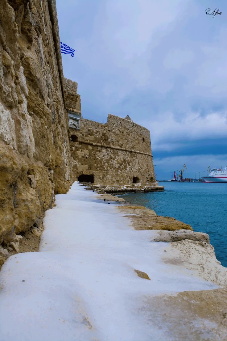 Heraklion fortres Koyles in snow! #crete January 2017.