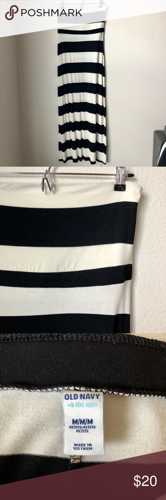 Old Navy Stripped Maxi Dress NWOT Old Navy stripped maxi dress, elastic that runs under bust Old Navy Dresses Maxi