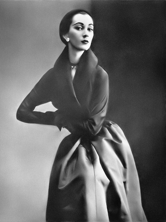 Pin by kawaldeep kaur on DIOR FASHION | Dior fashion