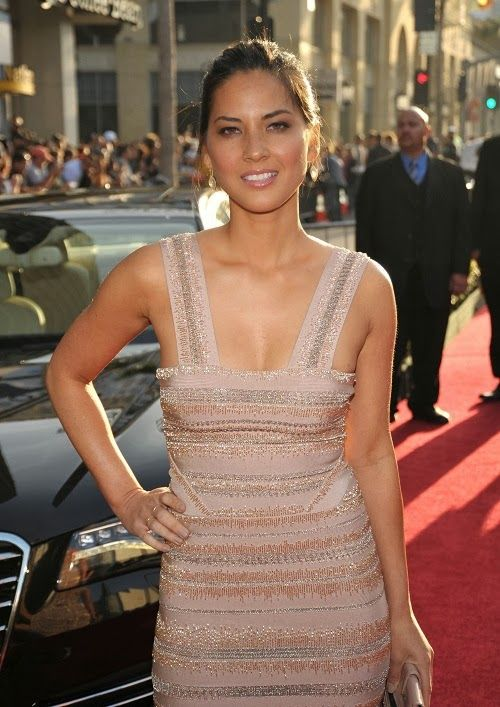 Olivia Munn world premieres her new movie, Iron Man 2, held at Hollywood's El Capitan Théâtre.