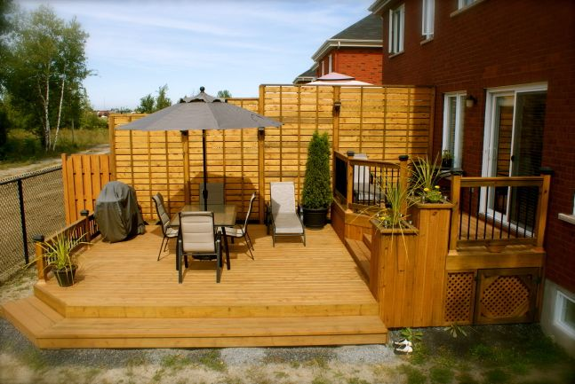 Patio plus terrasses paliers balcon idee pinterest for Patio exterieur en bois