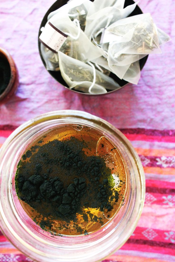 Super Charge Your Green Tea With Coconut Oil And Spirulina sweetdisasters.com Spirulina Recipes and Benefits