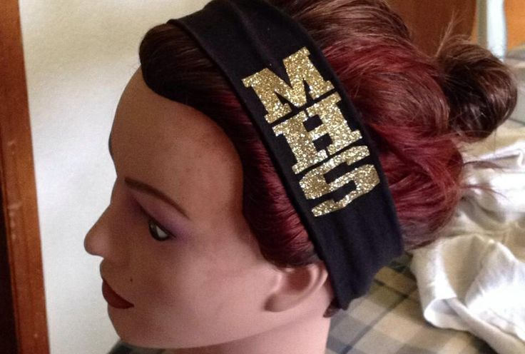 Custom team headband made with heat transfer vinyl that was cut on my silhouette cameo!