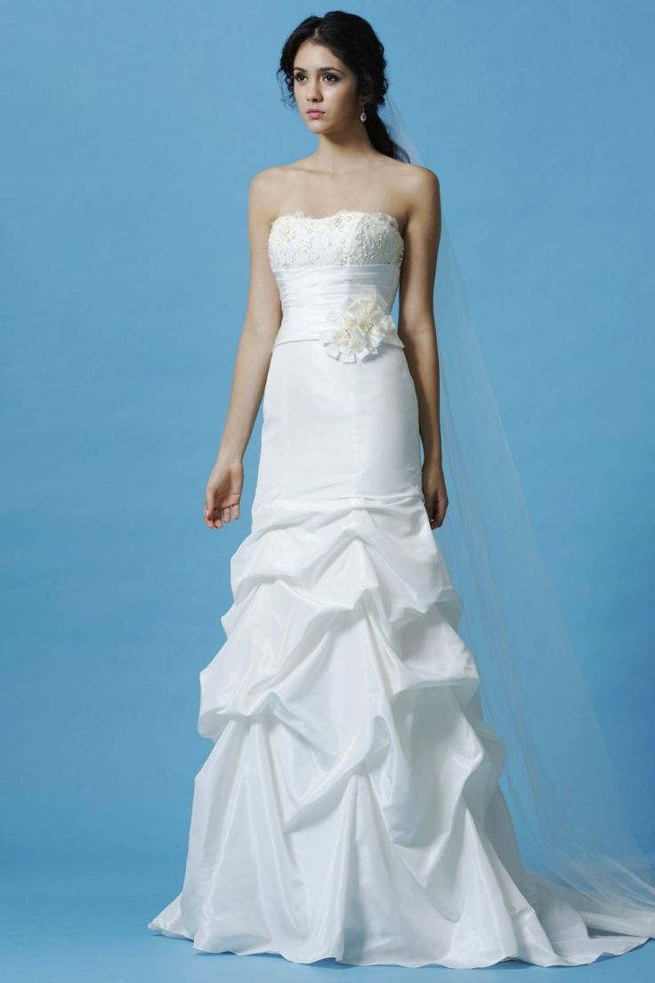68 best Beach wedding dresses images on Pinterest | Wedding frocks ...