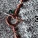Collana asimmetrica in rame realizzata totalmente a mano. Perle sfaccettate di agata verde petrolio, di due differenti forme e dimensioni, si alternano a maglie di catena in rame dall'aspetto volutamente caotico e aggrovigliato. Quattro cerchi in ram http://phongthuyvadoisong.com/  http://phongthuyvadoisong.com/465/San-Pham/da-agate.htm
