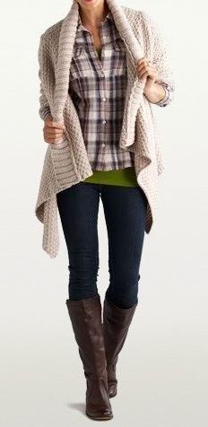 love the bulky sweater, plaid shirt and a bit of green peeking out under the plaid.. fun & relaxed!