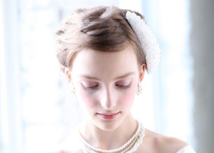 ボンネでクラシカルな美人花嫁に♡すっきりアップに大きめボンネのヘアアレンジが可愛い*のトップ画像