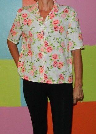 À vendre sur #vintedfrance ! http://www.vinted.fr/mode-femmes/blouses-and-chemises/25585424-chemise-crop-top-loose-motif-rose-fluo-t36-38-divided-hm-printempsete-ethniquecasualromantique