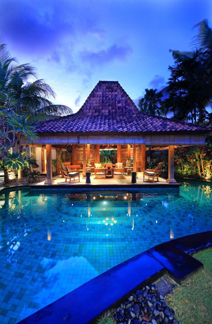 pool & joglo_oost indes villa