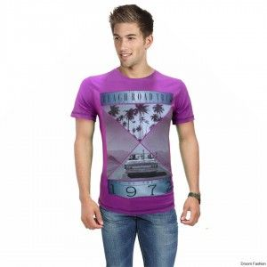 Droom Fashion offers a stylish addition to your laid-back look with this trendy graphic T-shirt. Buy this cool T-shirt and team it with a pair of jeans and casual shoes for a perfect, cool look. This piece is perfect when you are out for an evening with your friends.