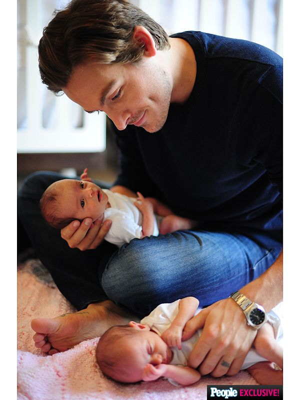 Kevin Zegers Introduces Twin Daughters Zoë Madison and BlakeEverleigh http://celebritybabies.people.com/2015/09/25/kevin-zegers-twin-daughters-zoe-madison-blake-everleigh-first-photo/