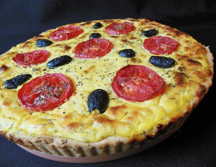 Reteta culinara Tarta cu branza si mac din categoria Aperitive / Garnituri. Specific Romania. Cum sa faci Tarta cu branza si mac