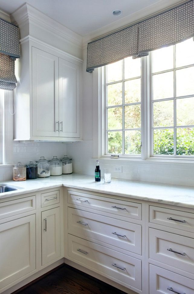 kitchen cabinet cornice best 25 kitchen window valances ideas on 18392