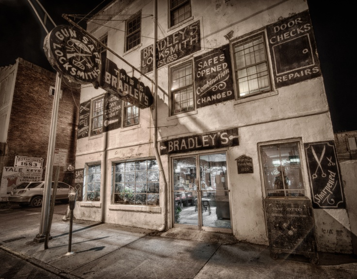 Savannah Is The Most Haunted City In America Allow Our Ghost Tours To Take You Some Of These Ghostly Locations