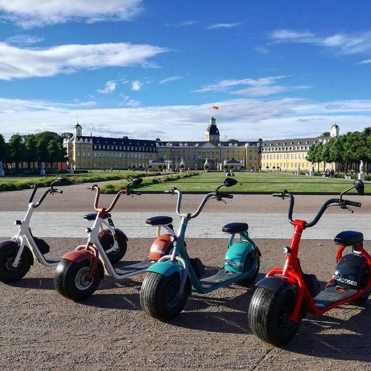Heute Abend waren wir mit den Scroosern von CitySeg auf Stadtrundfahrt. Ein absolut geniales Erlebnis mal mit den coolen Elektrotretrollern durch #Karlsruhe zu cruisen  und das Wetter war voll auf unserer Seite und ist pünktlich zu unserem Start ab 18 Uhr aufgeklart.  #visitkarlsruhe