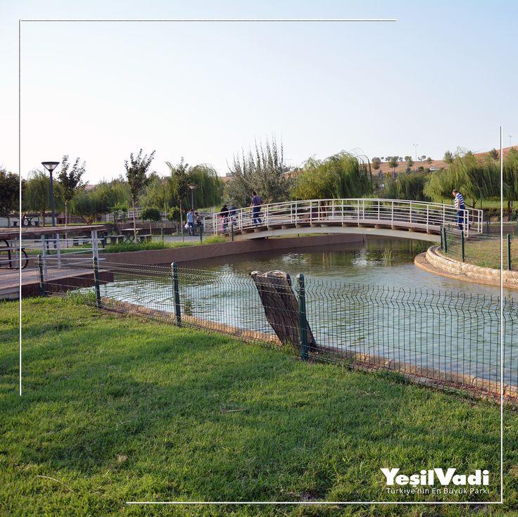 Göl kenarı yeşil alanlar, biraz huzur biraz eğlence bolca huzur.. Türkiye'nin En Büyük Parkı #YeşilVadi'ye bekleriz. #Şahinbey #Gaziantep