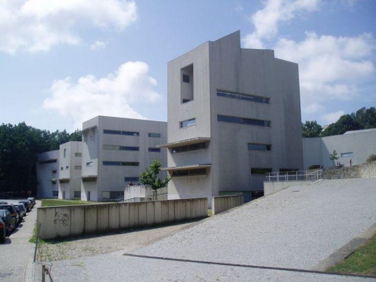 Facultad de Arquitectura (1993) Alvaro Siza