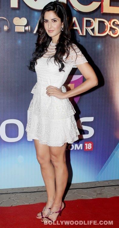 Katrina Kaif- People's Choice Awards 2012, won Favorite Actress and dedicated her award to the late Yash Chopra (love her dress!)