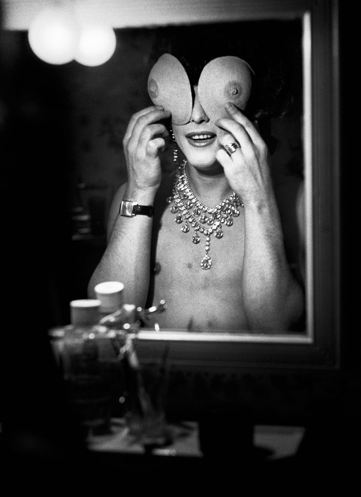 Beautiful Photography Collection Captures Transgender Women In 1950s Paris: