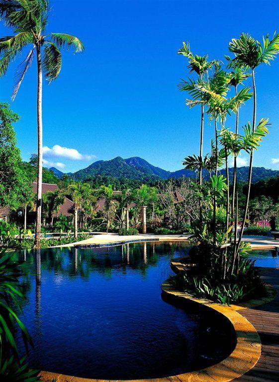 #Отель Ramayana Koh Chang Resort & Spa расположен на острове Ко Чанг.  Количество номеров в отеле Ramayana Koh Chang Resort & Spa: 65. Номера-бунгало с видом на сад. В отеле есть спа-салон и открытый бассейн.  Можете посетить тренажерный зал или массажный кабинет. Можно искупаться в джакузи. Работает экскурсионное бюро. http://www.bontravel.com.ua/tours/hotel-ramayana-koh-chang-resort-spa-ko-chang-tailand/   #путешествия #море