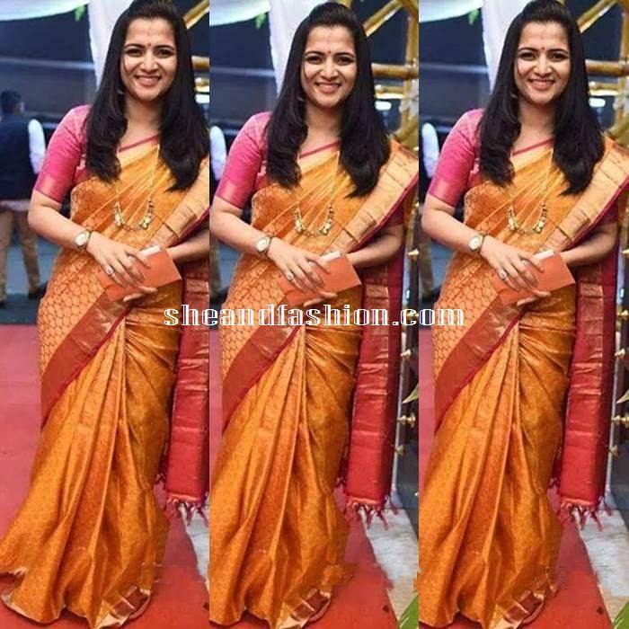 Anchor Divya Dharshini in Silk Saree