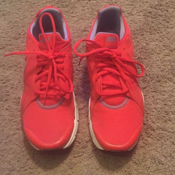 Women's Nike Trainers Lightly worn, Basically new. Size 8. Nike Shoes Athletic Shoes