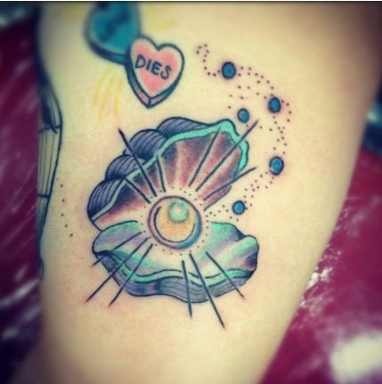 Oyster With Pearl Tattoo Tattoos Piercings Pinterest Tattoos