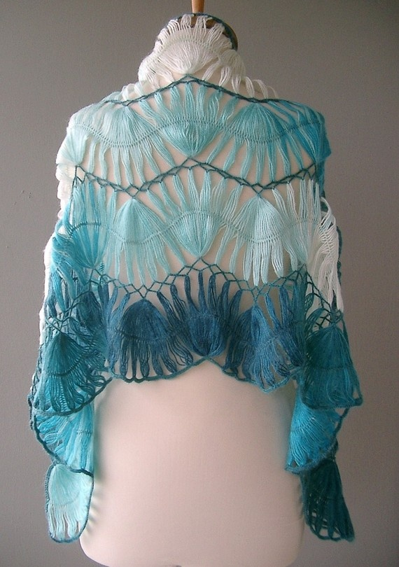 Hairpin lace stole in turquoise