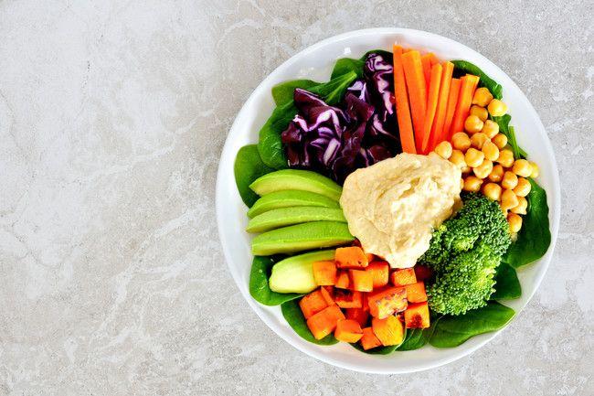 Hummus con verduras: una buena forma de sumar buenos nutrientes a la dieta