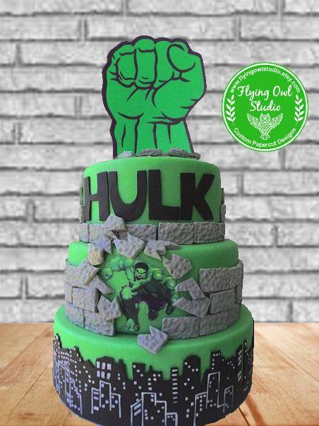 Pugno verde Cake Topper, decorazione di festa di compleanno, fumetti, supereroi (uno grande) di FlyingOwlStudio su Etsy https://www.etsy.com/it/listing/386976698/pugno-verde-cake-topper-decorazione-di
