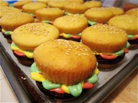 Pardon My Crumbs: The Perfect BBQ Dessert: Cupcake Burgers!