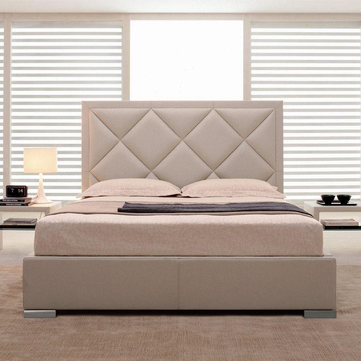 LETTO PATRICK by CATTELAN  Patrick è un letto matrimoniale in pelle, ecopelle e tessuto disponibile in un'ampia gamma di colori; viene proposto in 3 dimensioni matrimoniali e 3 king size.