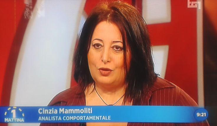 Cinzia Mammoliti, criminologa e autrice del libro inchiesta Intervista a un narcisista perverso, ospite a Uno mattina RAI 1 a parlare di vittime di abusanti manipolatori- 02/03/16