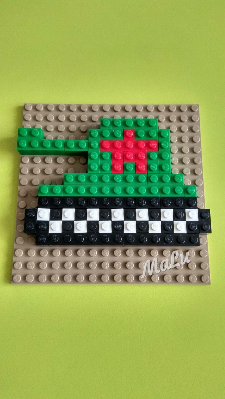 Симметричная картинка из лего