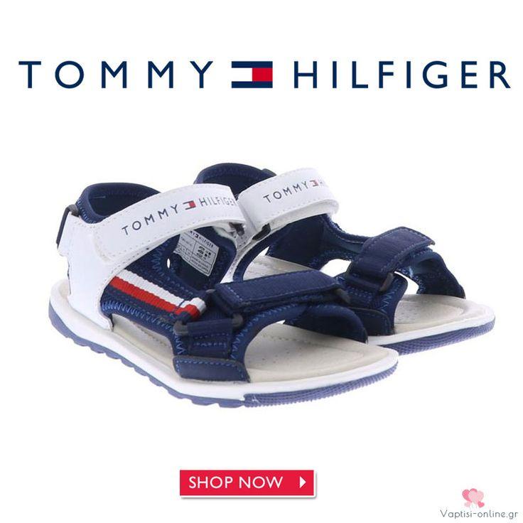 Πέδιλο μπλε Tommy Hilfiger για αγόρι Το Πέδιλο μπλε Tommy Hilfiger για αγόρι είναι το δερμάτινο ανατομικό παπούτσι για το παιδί. Μπλε με λευκό χρώμα με αυτοκόλλητα για κλείσιμο και αντιολισθητικό λευκό πάτο, αγκαλιάζει το πόδι του παιδιού για περισσότερη άνεση.