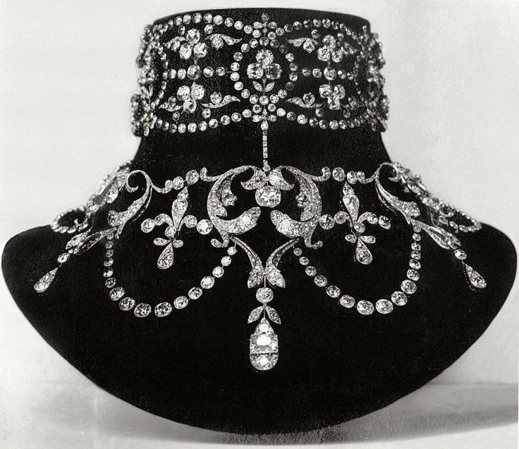 Boucheron - A Belle Epoque diamond necklace, circa 1899. Made for Mary-Louise McKay, the wife of the American silver prospector and millionaire John McKay. Source: Vincent Meylan, Boucheron, The Secret Archives.