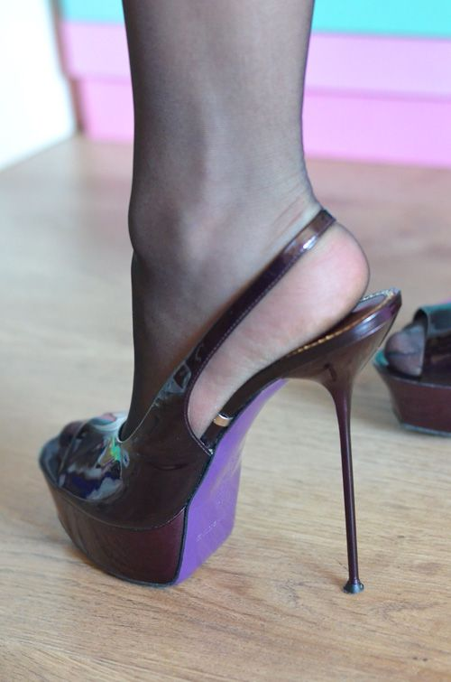 Violet Gianmarco Lorenzi sandals with extreme heels For sale now! Patent  GML platform shoes with extreme thin stiletto