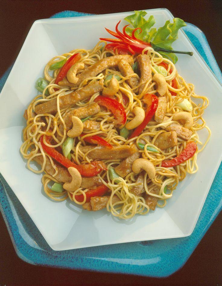 Tom Yam Kung (Hot and Sour Shrimp Soup) | FOOD PORN | Pinterest
