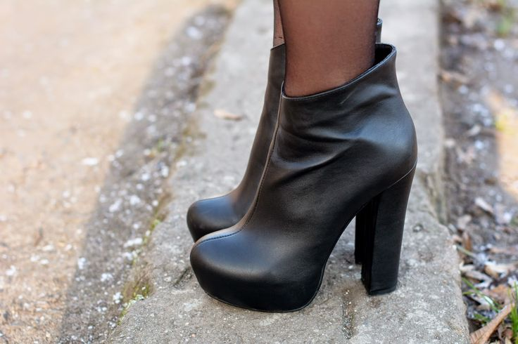 Paulina w botkach Elias <3