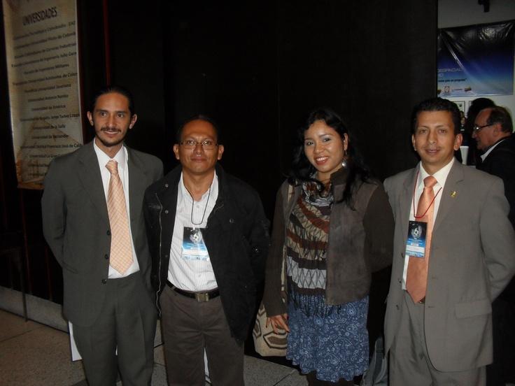 Miembros de ASTCOL con asistentes al evento desde el Departamento del Amazonas, entre ellos el Dr. Mauricio Rodriguez (2do izq), Asesor Ciencia, Tecnologia e Innovacion de la Gobernación del Amazonas