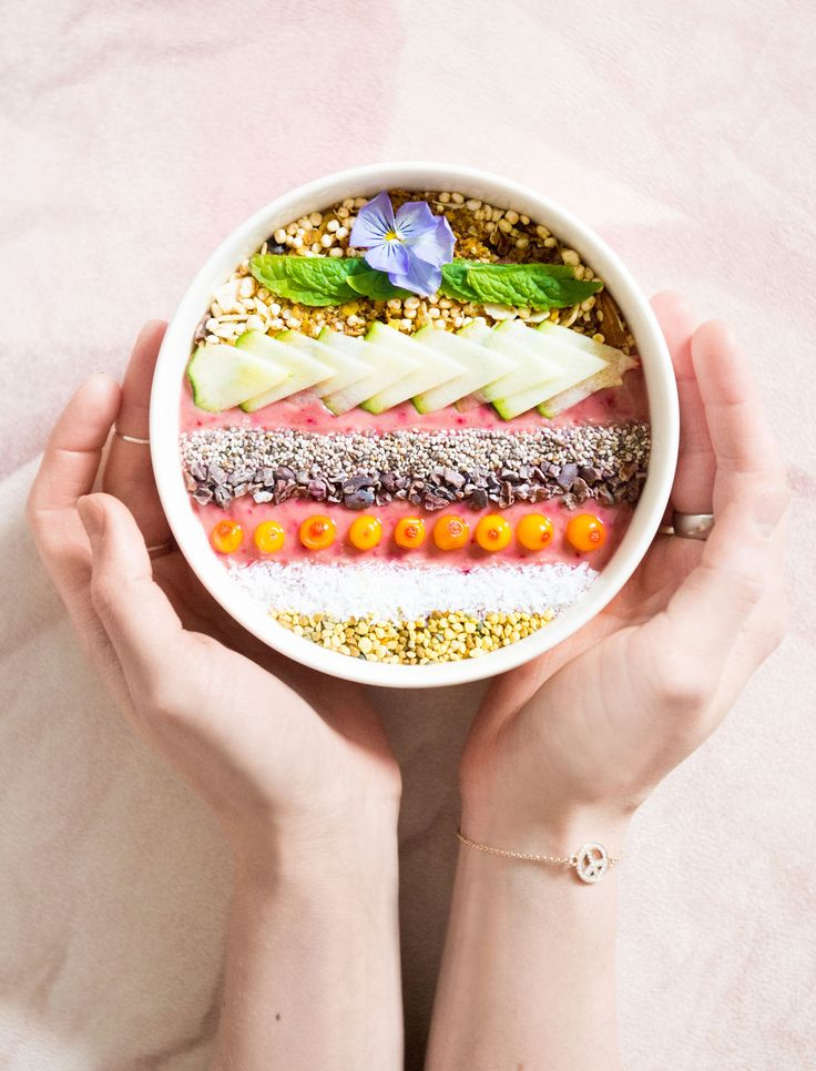 Kaakao-kesäkurpitsa-vadelmakulho / smoothie bowl