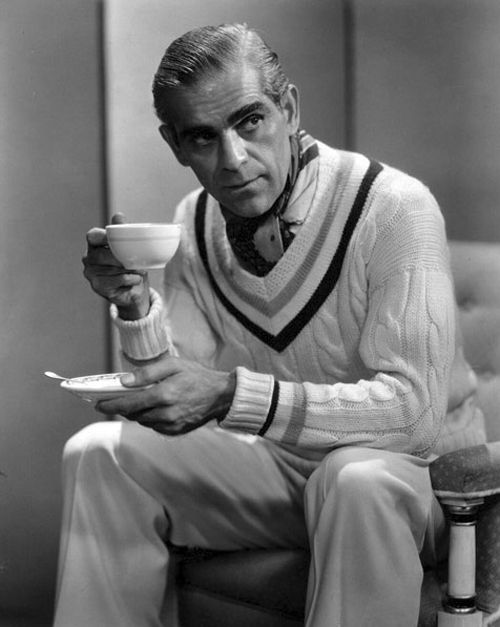 Actor Boris Karloff was born today 11-23 in 1887. We all grew up watching him in his great horror movies like Frankenstein. Karloff also was the narrator and voice of the Grinch in How the Grinch Stole Christmas. He passed in 1969.